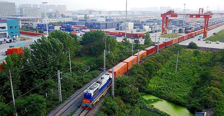 Beverages from NW China exported to Moscow via China-Europe freight trains-OBOR Invest(2)